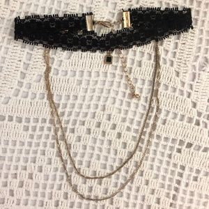 Choker with gold chains ✽ (free w/ bundle)